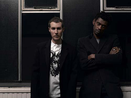 Glastonbury escuchará a Massive Attack y CSS