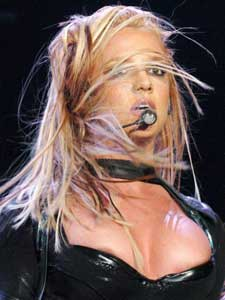 Britney Spears recurre a un vidente