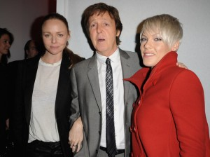 Pink hace horas de cola para conocer a Paul McCartney