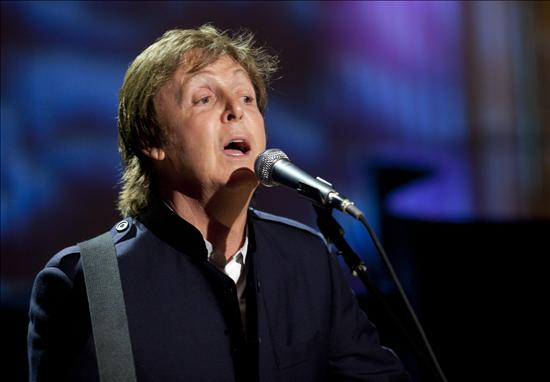 Paul McCartney cede canciones a la serie Glee