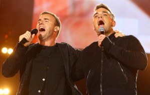 Robbie Williams y Gary Barlow juntos en un concierto en Londres