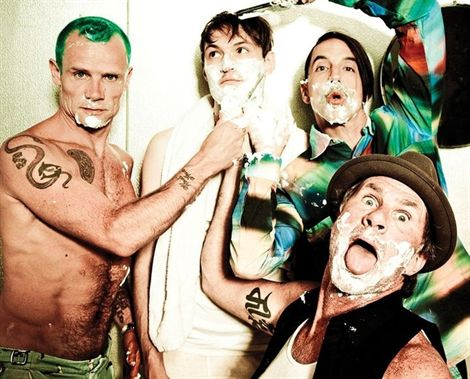 Red Hot Chili Peppers lanza su nuevo sencillo The Adventures of Rain Dance Maggie