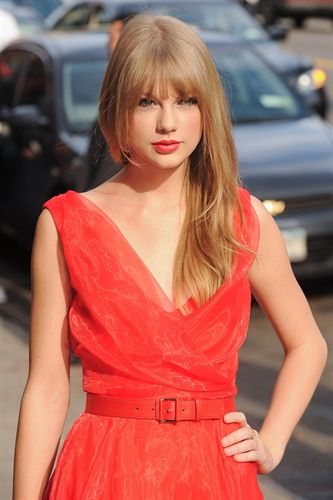  Taylor Swift premiada como mujer del ao por la revista Billboard 