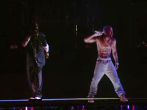 Tupac Shakur revive en el Festival Coachella 2012 