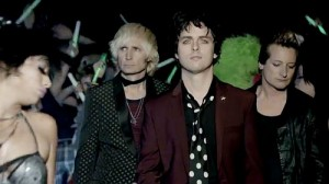 Green Day estrena video de Kill the DJ