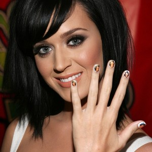 Katy Perry festeja su divorcio