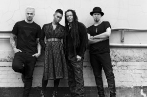Skunk Anansie estrena su nuevo single, Hope You Get To Meet Your Her