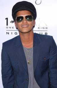 Bruno Mars desvela nuevo tema. Escucha Young Girls 