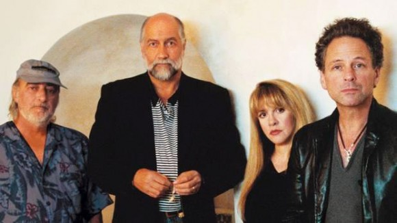 fleetwood-mac-to-release-expanded-and-deluxe-versions-of-rumours-for35th-anniversary