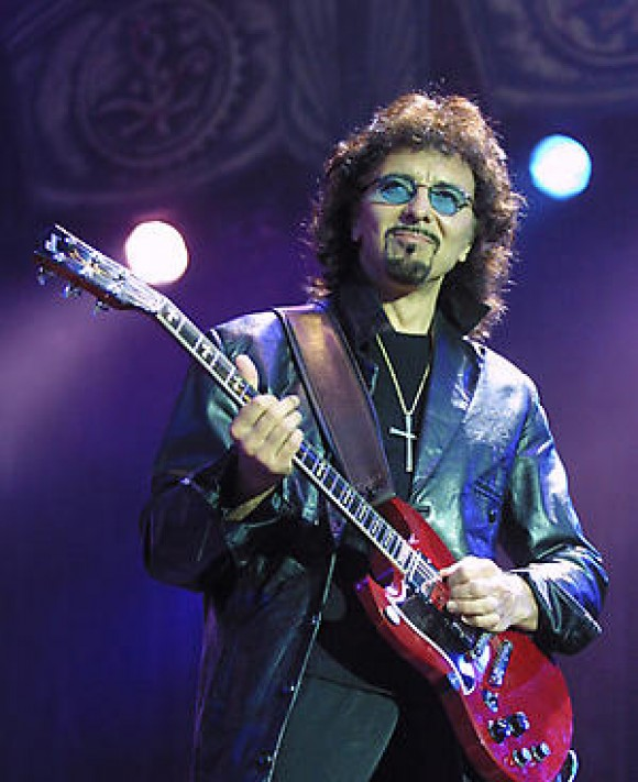 Brian May lanzara álbum junto a Tony Iommi de Black Sabbath