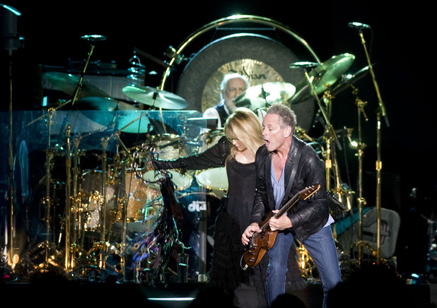 music-fleetwood-mac-stevie-nicks-lindsey-buckingham-mick-fleetwood-wembley-2009