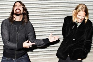 Foo Fighters anuncia su vuelta con sangrienta foto
