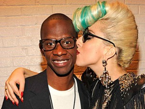 Lady Gaga se despide de su manager Troy Carter
