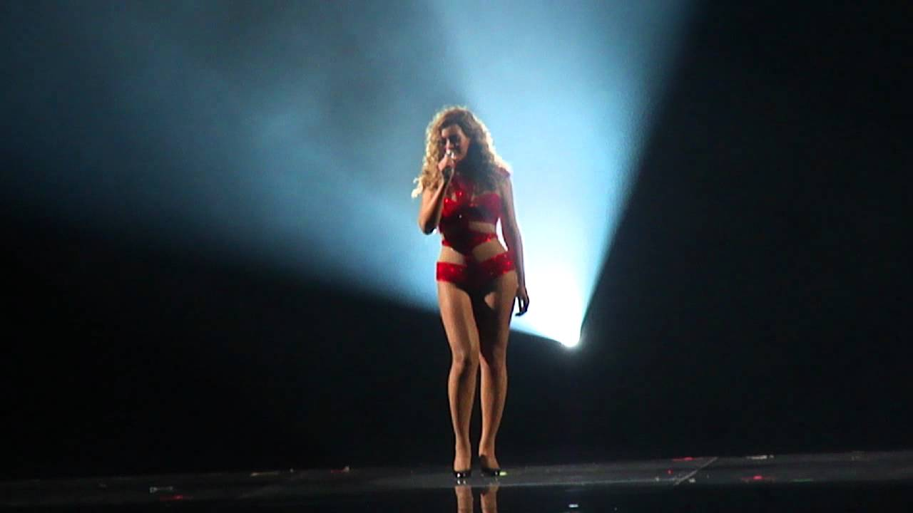 Beyonce hace tributo a Whitney Houston