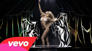 "Lady Gaga lanzó el video de ""Applause"""