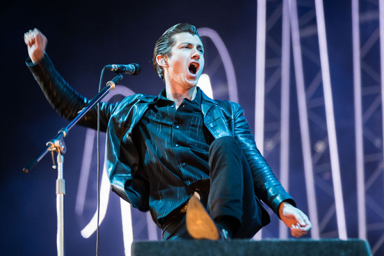 Arctic Monkeys estrenan un pequeño documental para celebrar el final de la gira AM | Vídeo 1
