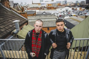 "Escucha lo nuevo de Slaves ""Cheer up London"""