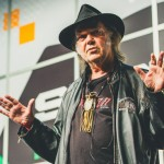 """Tracklist"" del nuevo disco de Neil Young ""The Monsanto Years"""