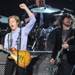 "Video de Paul McCartney y Dave Grohl tocando juntos ""I Saw Her Standing There"""