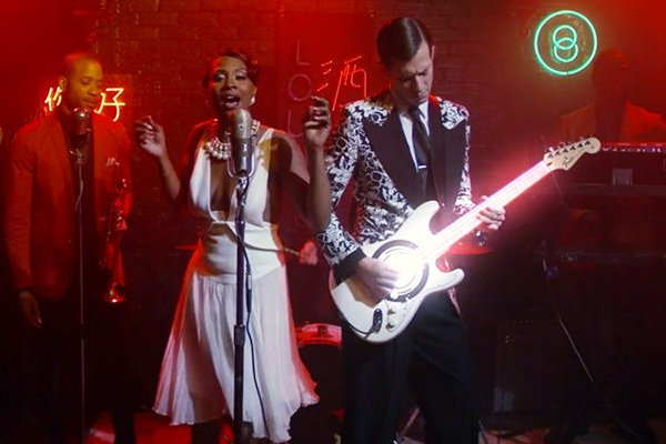 Mira el nuevo video de Mark Ronson 'I Can't Lose' 1