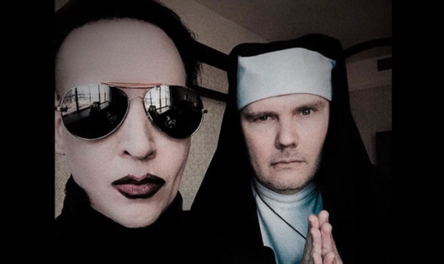 "Marilyn Manson y Billy Corgan cantan juntos ""Girls Just Want To Have Fun"" vestidos como un cura y una monja 