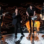 "U2 estrena una nueva versión para el vídeo de ""Song for someone"""
