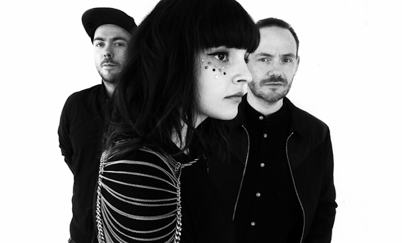 "CHVRCHES estrena el frenético single ""Clearest Blue"" 